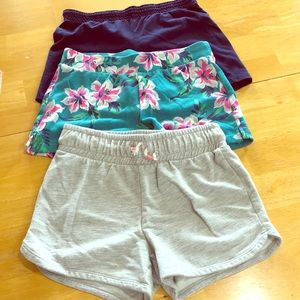 Bundle of three - size 10/12 shorts!